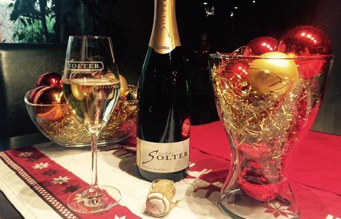 意外と知らない人が多い!シャンパンとスパークリングワインの違い