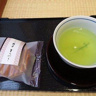 日本ツウの訪日外国人にも人気の神楽坂で見つけた美味しい手土産3選
