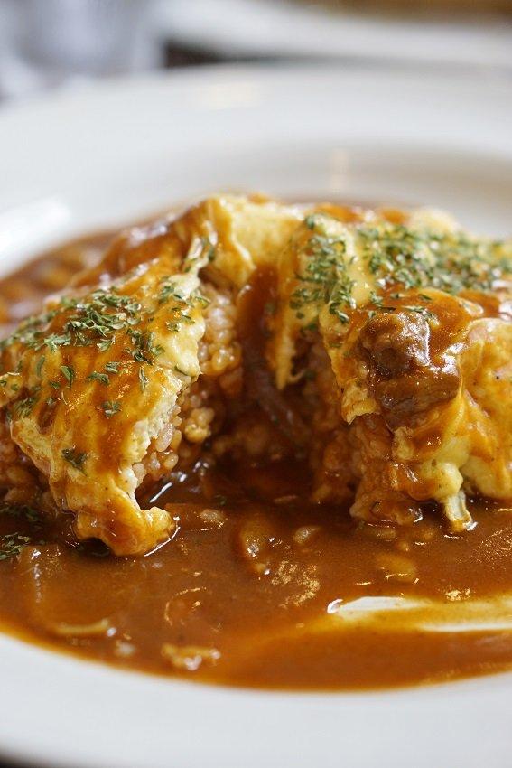ふわとろも薄焼きも!卵の魅力溢れる美味しいオムライス8記事