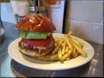 【池袋】肉感がすごい!肉へのこだわりを凝縮したハンバーガー
