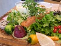 シャキシャキ野菜がてんこ盛り!大阪市内のヘルシーランチ4選