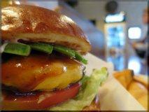 【川越】本格炭火焼ハンバーガーのお店で頂く肉肉しいバーガー