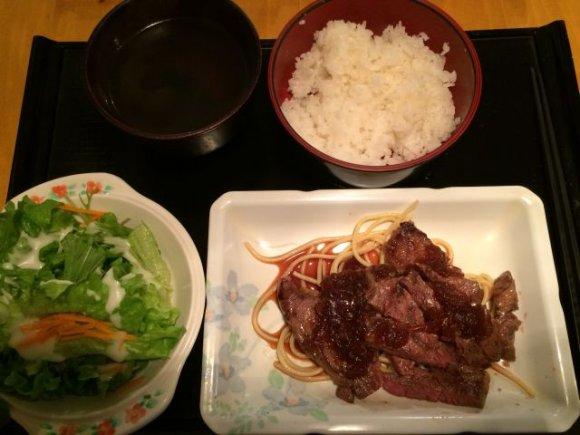 新宿の安くて美味しいを食べ歩き!ランチに飲みに夜ご飯に使いやすい7店