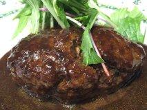 肉肉しさ全開!夏バテ対策にもぴったりな肉汁溢れるハンバーグランチ3選