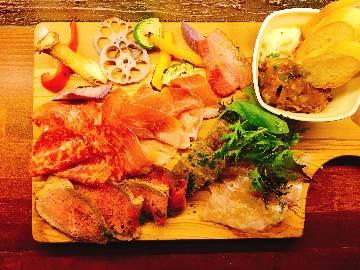 肉と野菜の石窯バル MONPAL