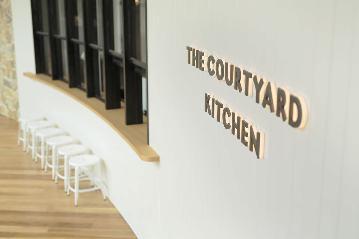 THE COURTYARDKITCHEN~ザ・コートヤードキッチン~