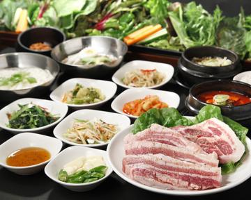 28種の野菜とサムギョプサル食べ放題 やさい村大地赤坂田町通り