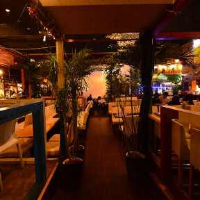 LOUNGE BEACH CLUB 新宿東口店