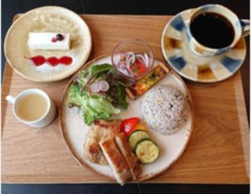 Cafe&Guesthouseもやいや
