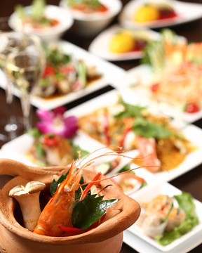 タイ料理のランチビュッフェがすごい!東京の食べ …