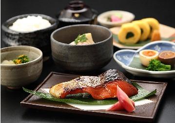 栄寿庵(京都駅周辺/和食・懐石料理・会席料理・ …