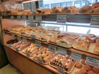 懐かし系パンの宝庫!創業1920年の老舗パン屋「タカセ 池袋本店」の記事で紹介されました