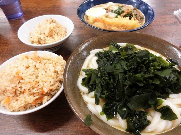 やわ麺に名物かしわめし!福岡のソウルフード『牧のうどん』必食メニュー