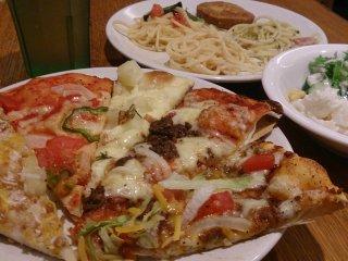 25種類のピザが食べ放題!超定番アメリカンピザバイキングの記事で紹介されました