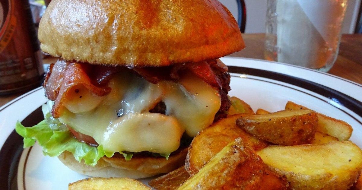 クリッターズバーガーのハンバーガー