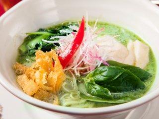 ラーメン好き必見!高級空間でいただくランチタイム限定の個性派アジア麺の記事で紹介されました