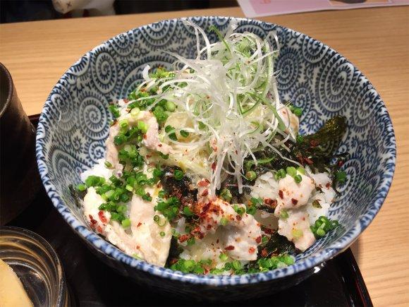わずか1000円のふぐ丼も!ランチ激戦区・大阪北新地の変わり種丼4選の記事で紹介されました