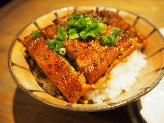 シメの燻製鰻丼は他では味わえない!酒呑みには堪らない燻製が旨い店の記事で紹介されました