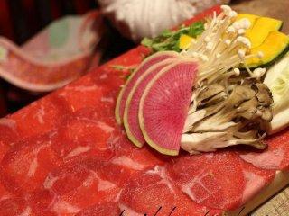 平日も15時からオープン!牛タンとラム肉のしゃぶしゃぶが食べ放題の店の記事で紹介されました