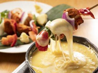 新宿でチーズ三昧!チーズフォンデュなど6品に飲放付コースが3500円の記事で紹介されました