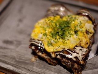 名物の日本一軽い「ふわ焼き」は必食!創作鉄板料理が気軽に味わえる店の記事で紹介されました
