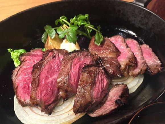 昼からガツンとステーキ!溢れる肉汁が格別な赤坂のランチ5選の記事で紹介されました