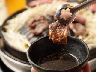 噛むほどに旨味がじゅわ~!ラム肉尽くしを堪能できるジンギスカン専門店の記事で紹介されました