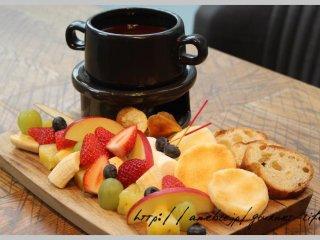 期間限定でチョコレートフォンデュ食べ放題!成城石井プロデュースのお店の記事で紹介されました
