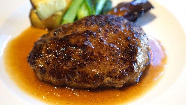 食べなきゃ勿体ない!1日10食限定の熟成神戸牛ハンバーグ