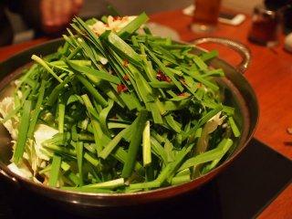 値段変わらず野菜マシマシ!「博多盛り」が超お得な本格もつ鍋の記事で紹介されました