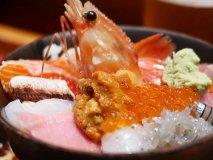 専門店に三色丼、爆盛りも!東京都内でおすすめの美味しい海鮮丼10選