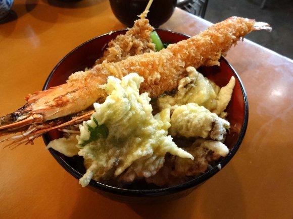 安くて美味しい!東京で1000円以下のお勧めどんぶり飯7選の記事で紹介されました