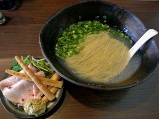 貝の旨みを存分に堪能!札幌の話題店の季節限定・冷たいラーメン「貝感」の記事で紹介されました