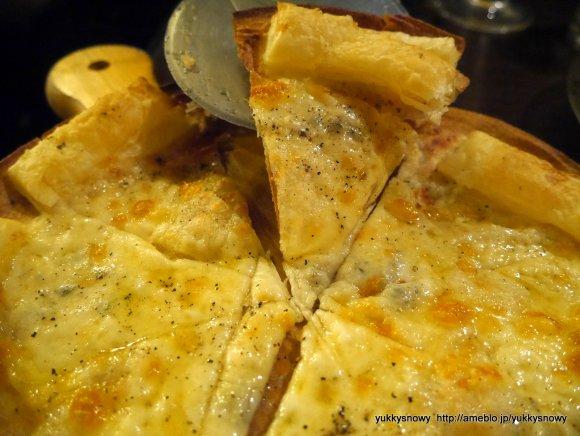 チーズフォンデュ食べ飲み放題が980円!ハチミツかけ放題も楽しめる店