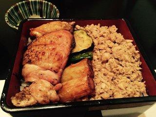 ボリューム満点で大満足!赤坂の焼鳥丼の2強「鳳」「宵の口」の記事で紹介されました