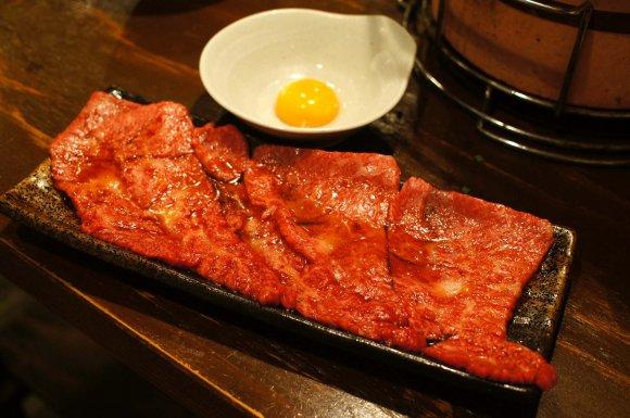 悶絶必至!ご飯にのせてガッツリ食べたい魅惑の肉料理5選の記事で紹介されました