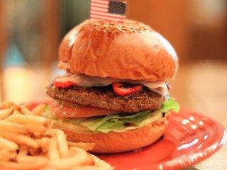 食べられるのは今だけ!いちごと生ハムの相性が抜群の限定ハンバーガーの記事で紹介されました