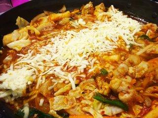 大阪でチーズタッカルビが味わえる!benibeniで本場韓国料理をの記事で紹介されました