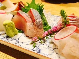 地元民からも観光客からも人気!お酒も料理もはずさない金沢の和食居酒屋の記事で紹介されました