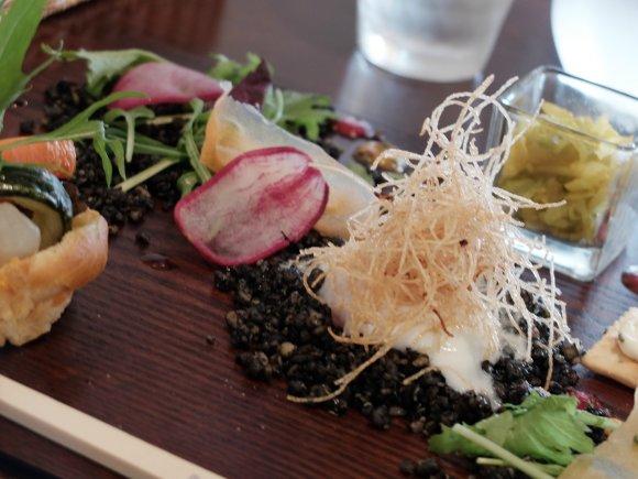 シャキシャキ野菜がてんこ盛り!大阪市内のヘルシーランチ4選の記事で紹介されました