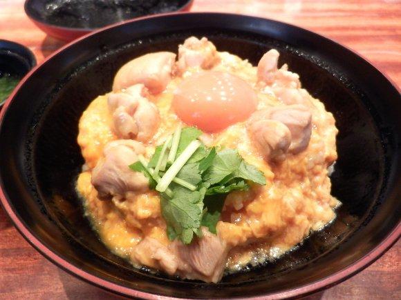 【六本木】地鶏料理専門店のこだわり親子丼ランチ5選の記事で紹介されました