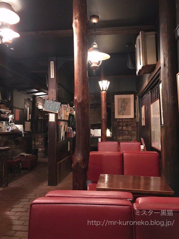神保町の純喫茶ラドリオの店内写真