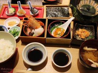 日本の美味しいお米を食べ比べで堪能!ごはんが主役の限定・週替わり御膳の記事で紹介されました