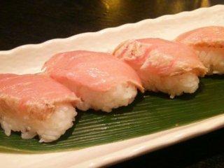 【大阪】とろける炙りトロ握りが100円!大衆居酒屋「七輪」の記事で紹介されました
