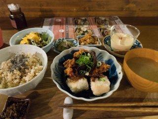 毎日通いたくなる!ほっと落ち着く「ソラマメ食堂」で体に優しい定食をの記事で紹介されました