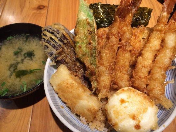 コスパ重視ならココ!新宿で絶品天丼ランチが味わえるお店5選の記事で紹介されました