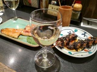 ワイン片手に「蒲焼」と「鰻串」を堪能できるコスパ抜群の鰻居酒屋の記事で紹介されました
