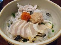 名物「河豚ざく」に太刀魚の刺身!地元で採れた新鮮魚介と日本酒を楽しむ