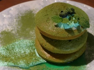 緑のパンケーキは3/17まで!ハイボールのセットもお得なレストランの記事で紹介されました