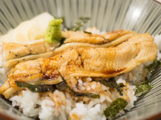 お酒が安くてノンベエに優しい!名物の「天ぷら」と「穴子」も旨い酒場の記事で紹介されました